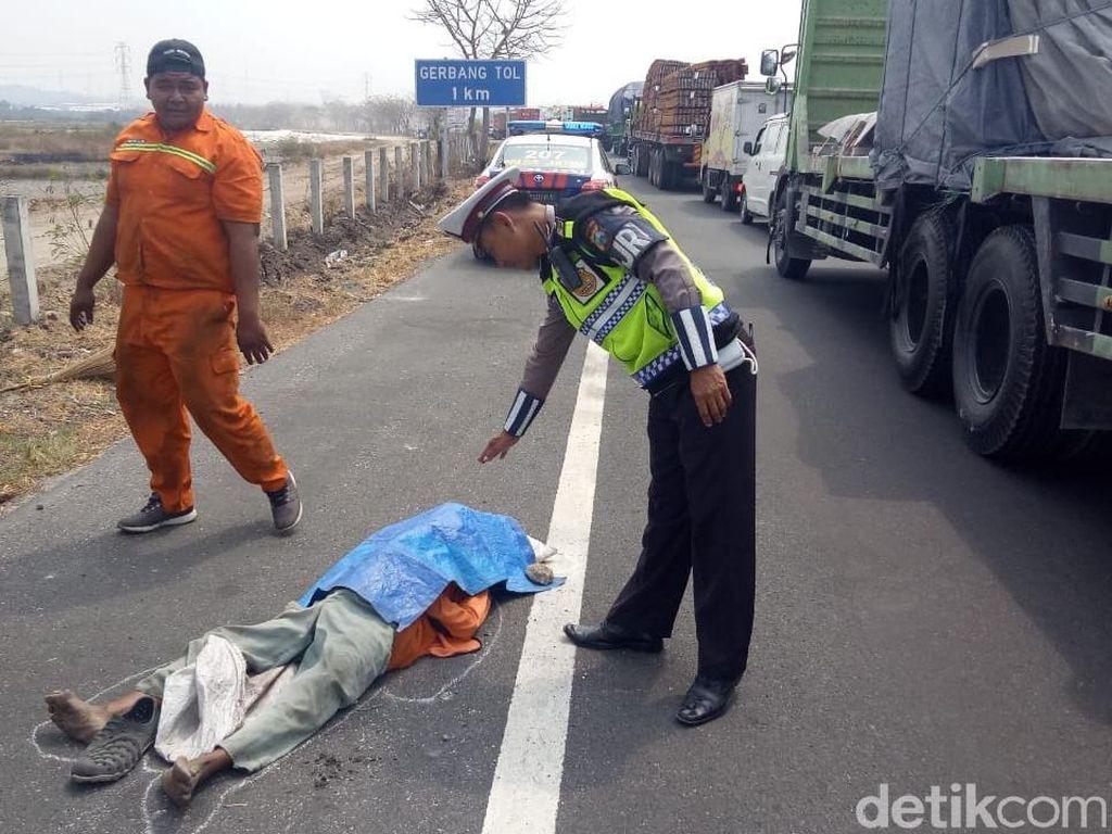 Petugas Kebersihan Ditemukan Tewas di Exit Tol Romokalisari