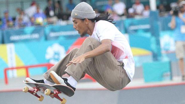Pevi Putra Permana meraih perunggu di nomor park putra cabor skateboard. (