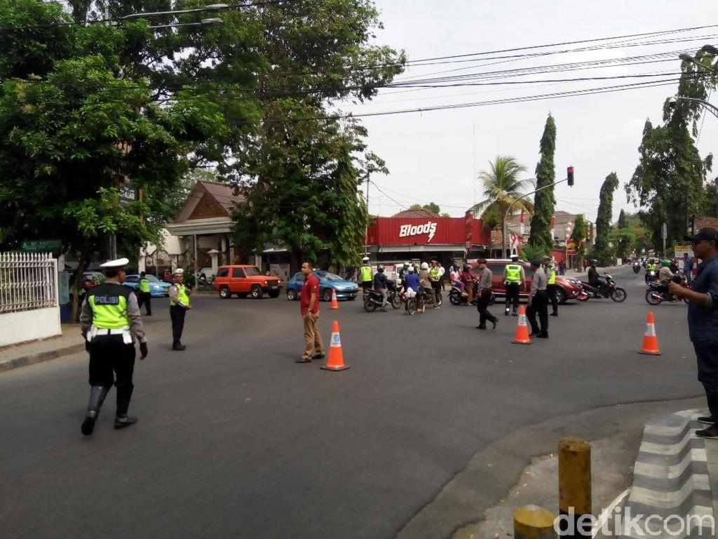 Polisi Gelar Rekonstruksi Kasus Iwan Adranacus Tabrak Mati Pemotor