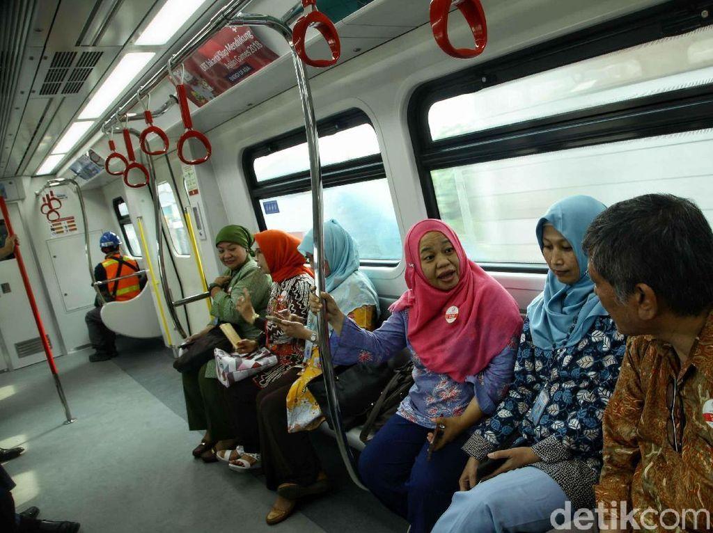 Serunya Menjajal LRT Jakarta yang Sebentar Lagi Beroperasi