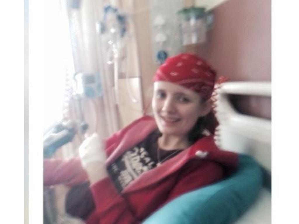 Punya Penyakit Langka, Gadis Ini Muntah Hingga 30 Kali Sehari