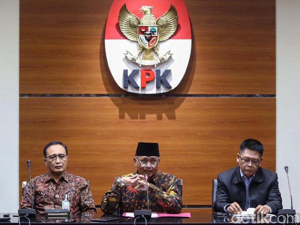 Momen Jumpa Pers Bersama KPK-MA Soal OTT Hakim di Medan