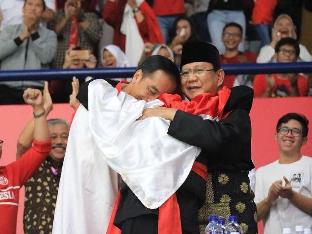 Kata Surya Paloh Soal Pelukan Jokowi-Prabowo di Gelanggang Silat