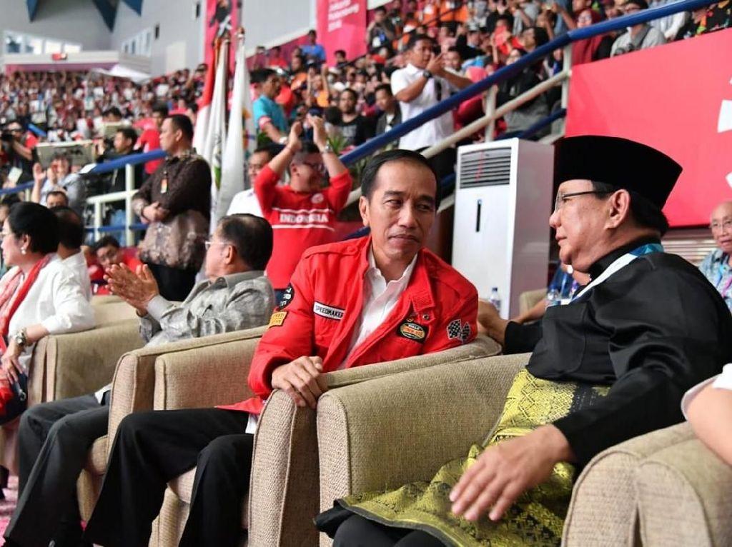 Saat Prabowo Ziarah ke Makam Gus Dur dan Jokowi Temui Sinta Nuriyah