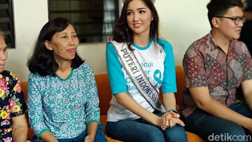 Foto: Momen Putri Indonesia 2018 Kunjungi Rumah Singgah Pasien Kanker