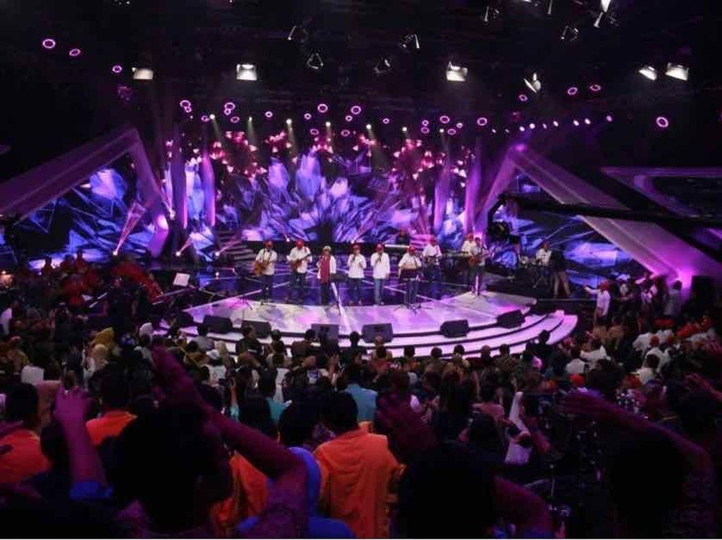 Menko PMK Meriahkan Konser Amal untuk Korban Gempa NTB
