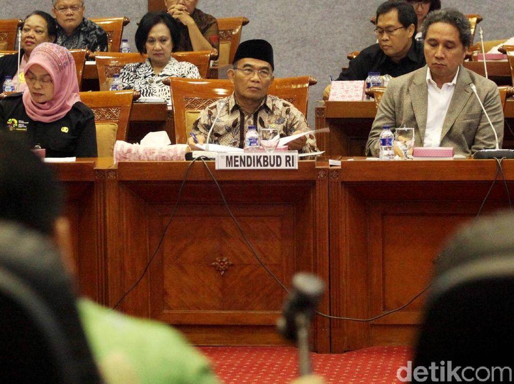 Mendikbud Gelar Rapat Bersama Komisi X