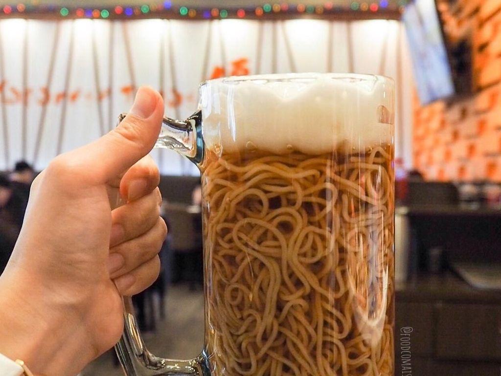 Sluurp! Segarnya Beer Ramen Tanpa Alkohol yang Lagi Hits