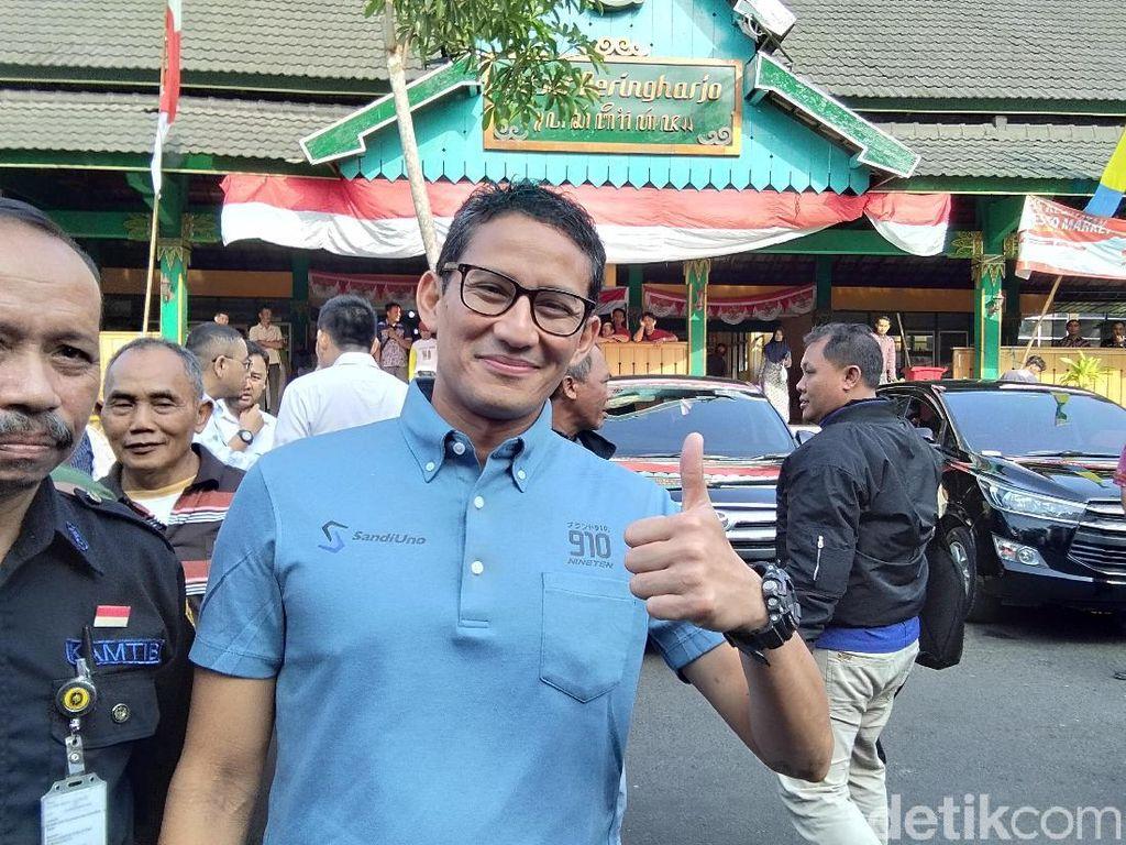 Pelukan Jokowi-Prabowo, Sandi: Momen Wah, Spesial Banget
