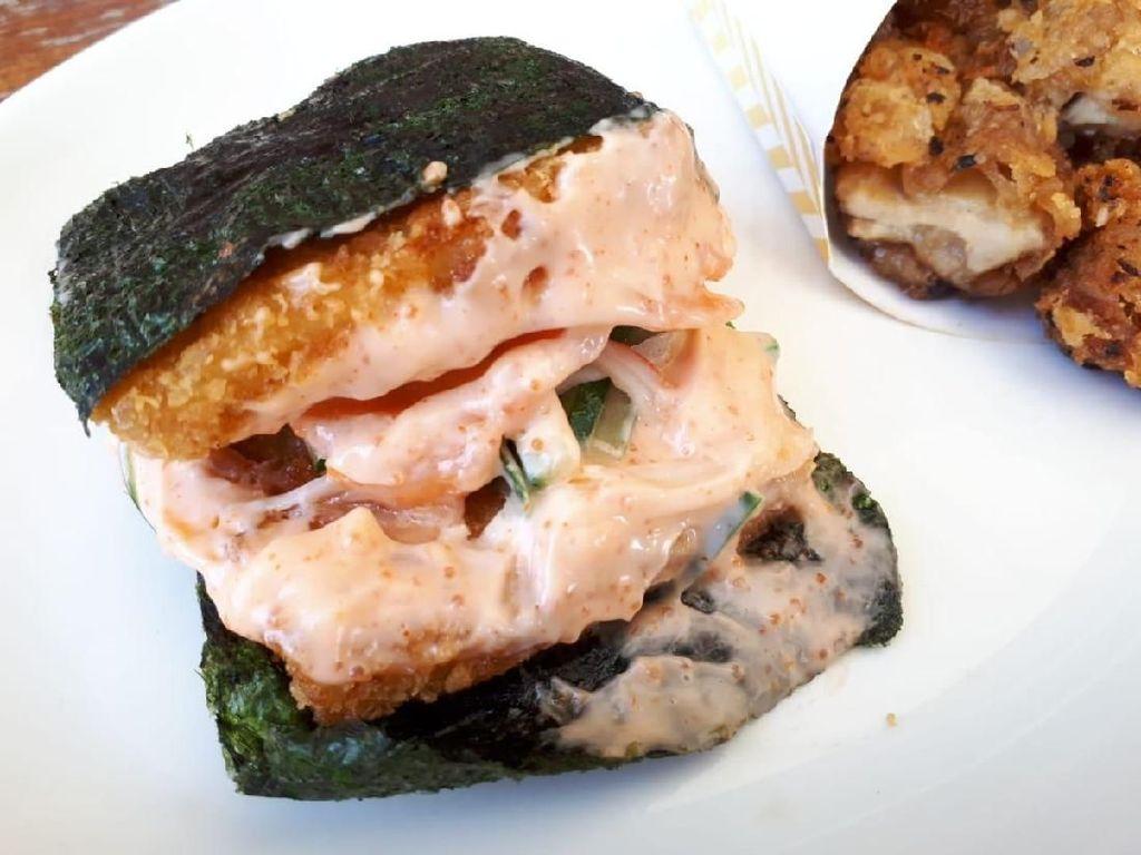 Burgushi: Nyamm! Gurih Creamy Sushi Salmon Mentai dalam Bentuk Burger