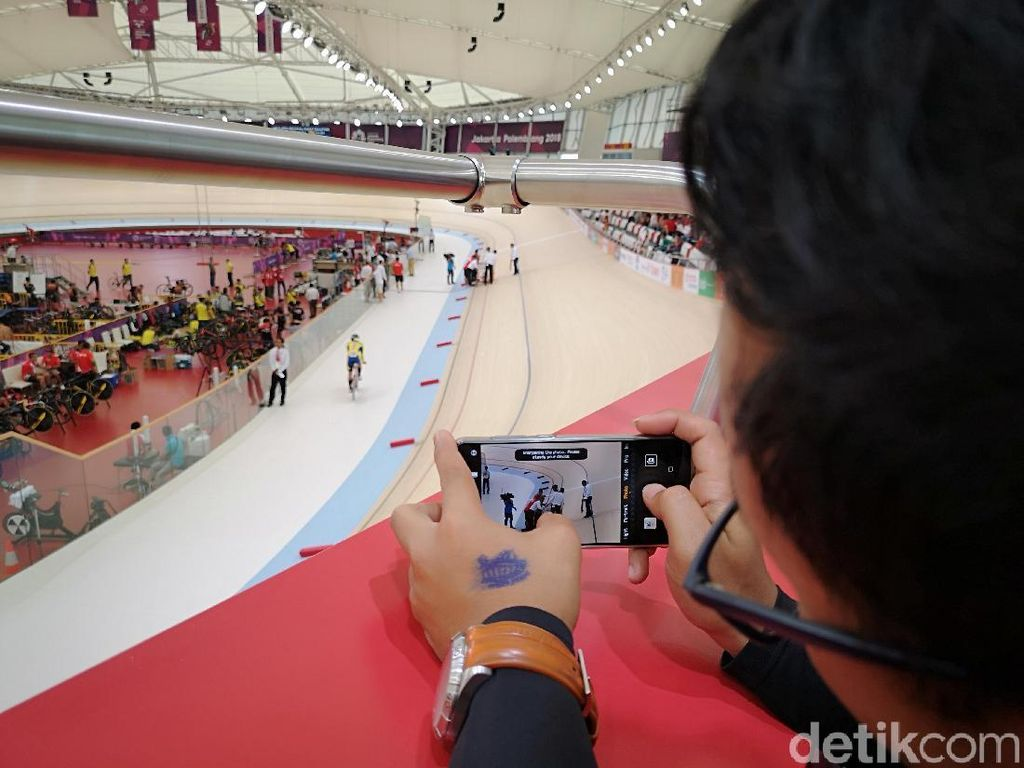 Mengabadikan Balapan Sepeda Asian Games dengan P20 Pro
