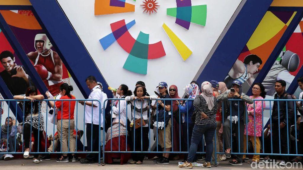 Berburu Souvenir Asian Games, Warga Rela Antre Berjam-jam