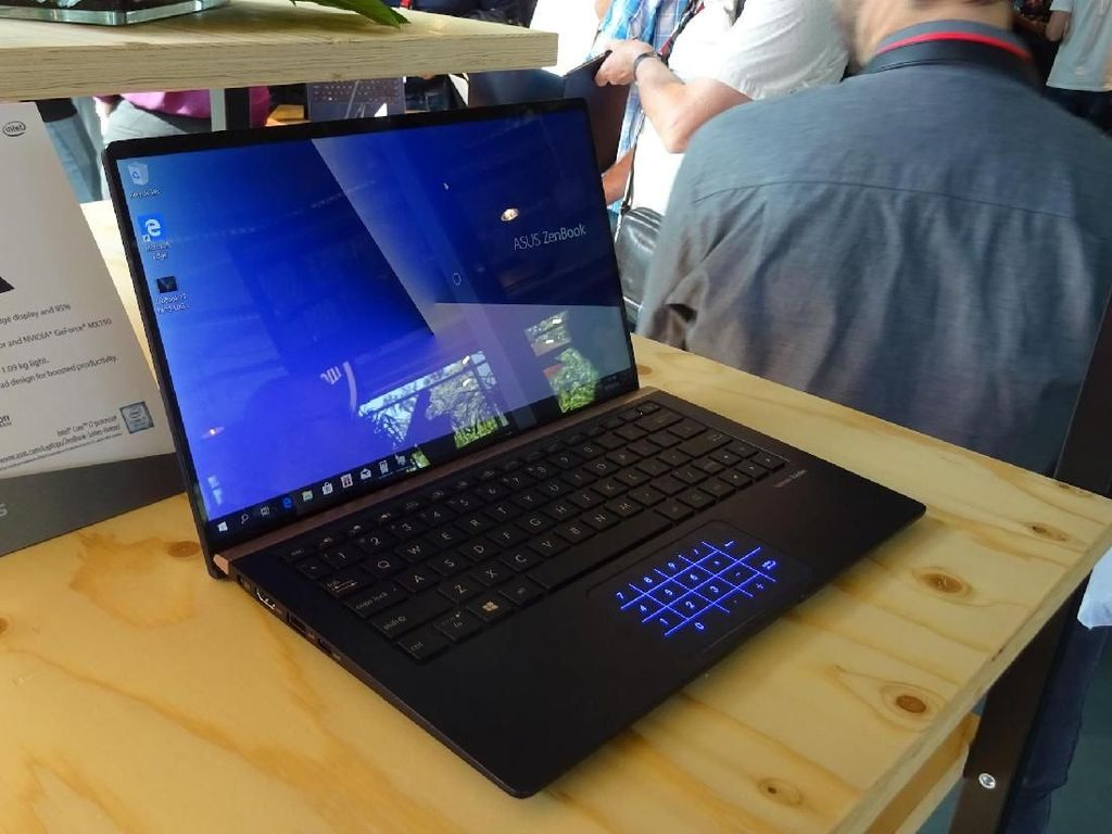 Asus ZenBook Anyar Tampil Nyaris Tanpa Bezel