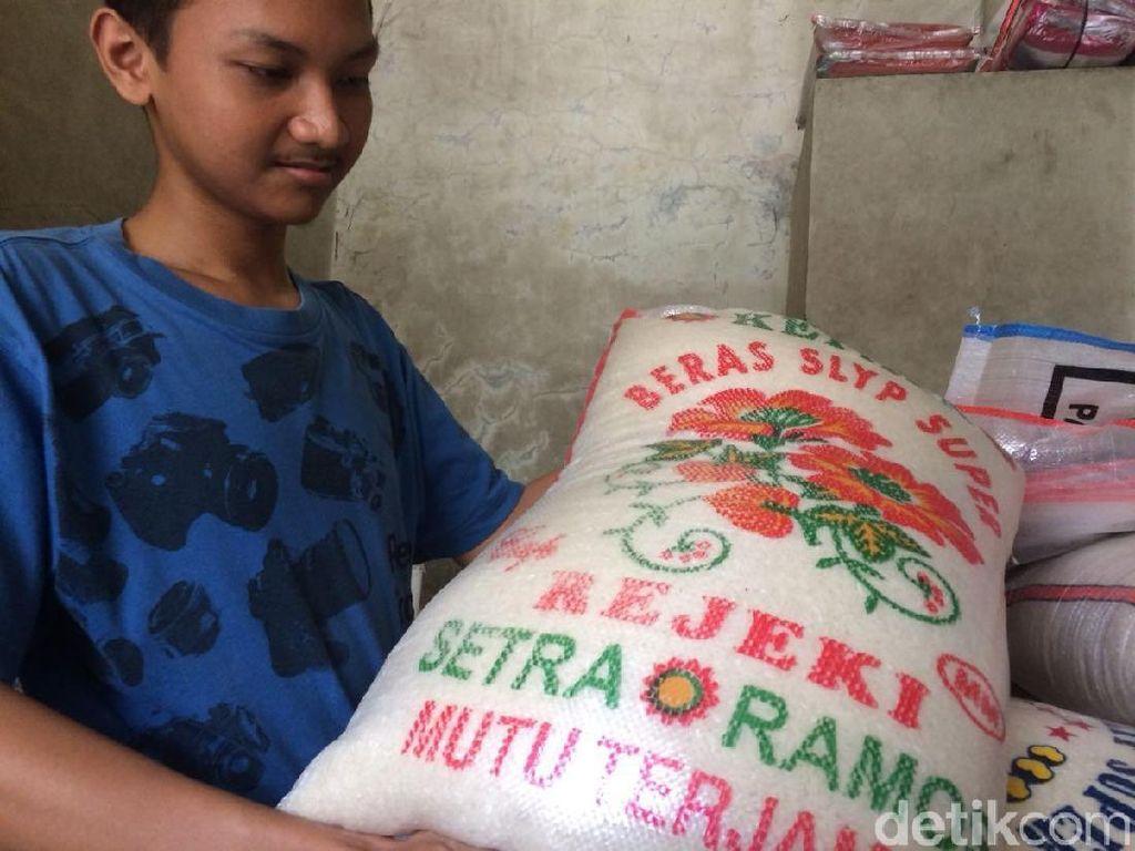 Pedagang Beras Cipinang Keberatan Pasang Label di Kemasan