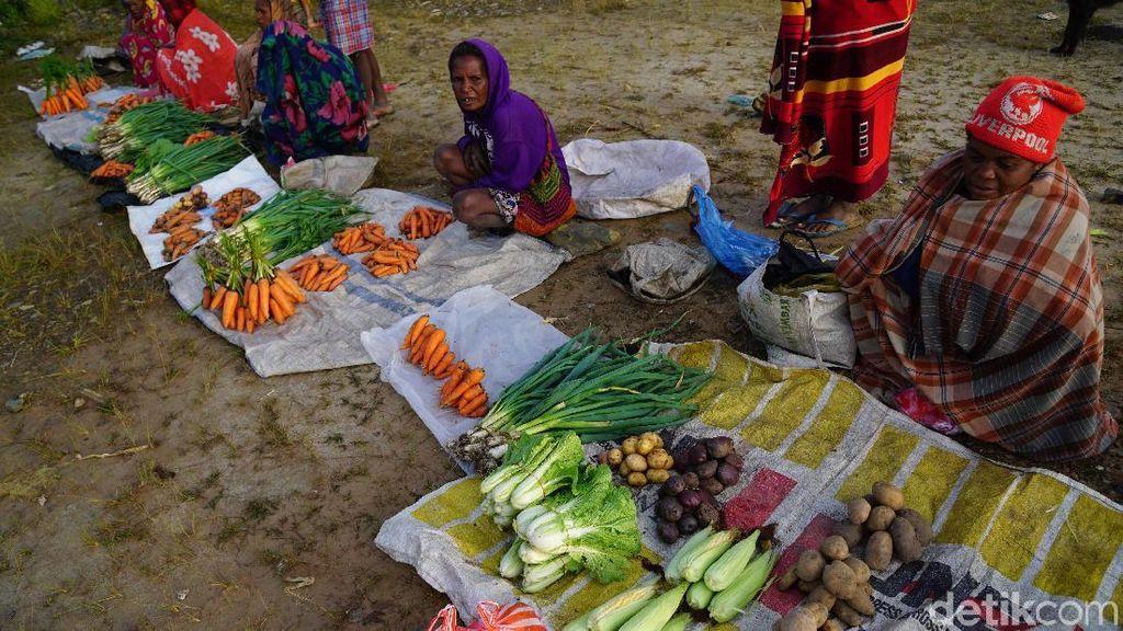 Foto: Berani Menawar, Bisa Dimaki Emak-emak Papua di Pasar Ini