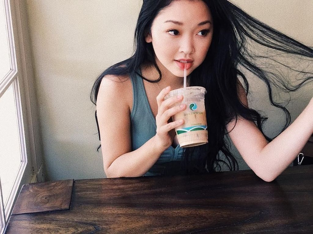 5 Fakta Lana Condor Bintang To All The Boys Ive Loved Before