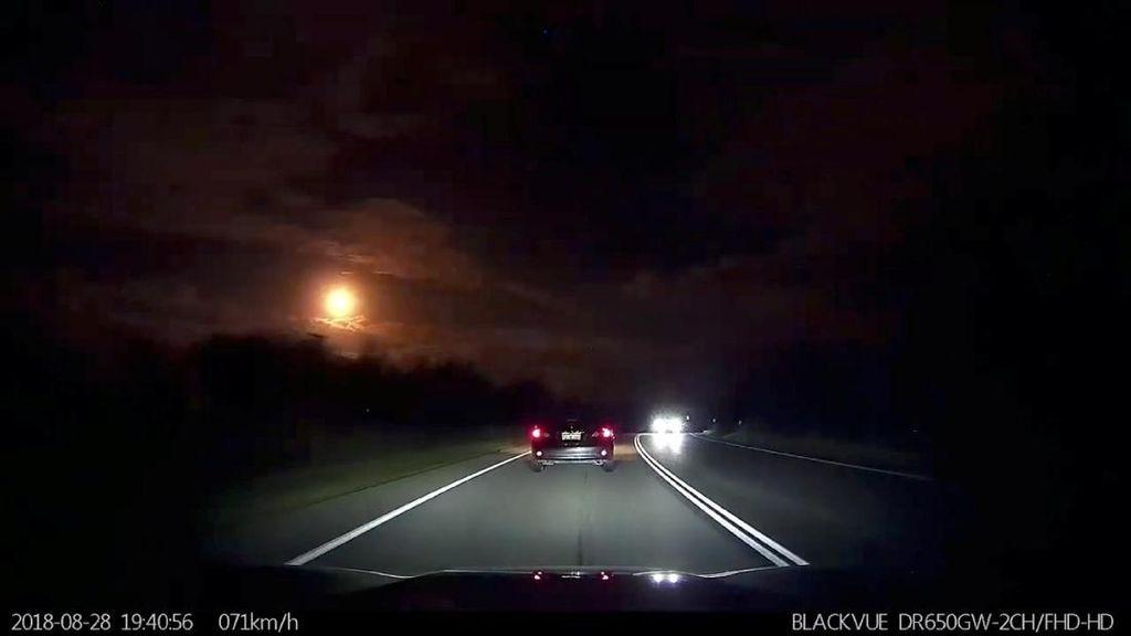 Bikin Heboh! Meteor Muncul di Langit Perth