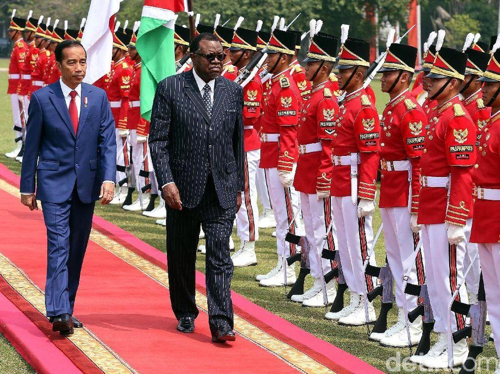 Sambutan Meriah untuk Presiden Namibia di Istana Bogor