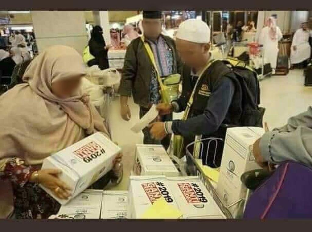 Misteri Penempel #2019GantiPresiden di Zamzam untuk Jemaah Haji