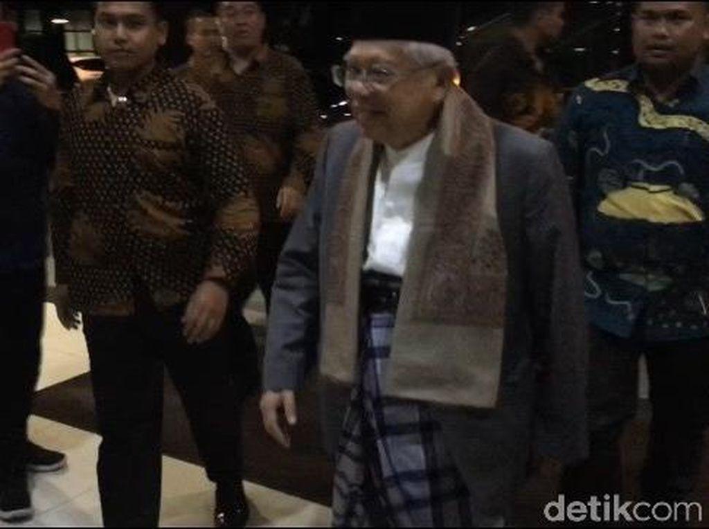 Maruf Amin Jenguk Gus Solah di RSCM