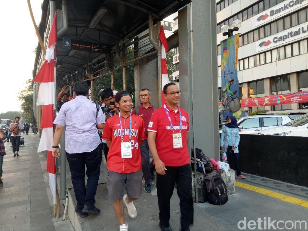 Usai Tonton Asian Games, Anies Lihat Pertunjukan Musik di Sudirman