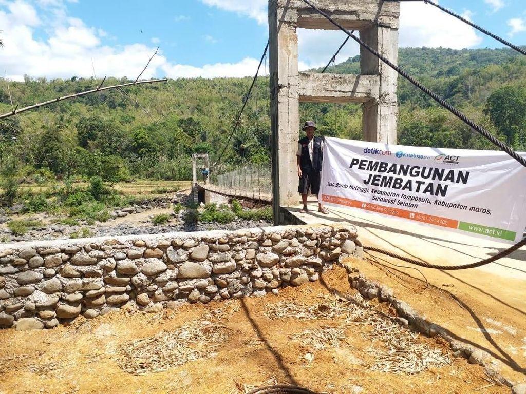 Donasi Pembaca detikcom di Pembangunan Jembatan Masa Depan Maros