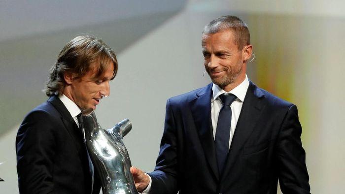 Luka Modric Pemain Terbaik UEFA 2017/2018. (Foto: Eric Gaillard/REUTERS)