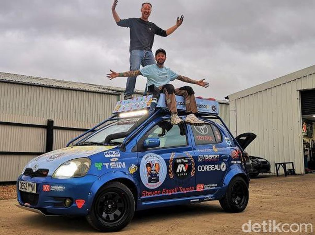 Pakai Mobil Yaris Rp 20 Jutaan, Dua Pria Keliling Inggris-Jepang