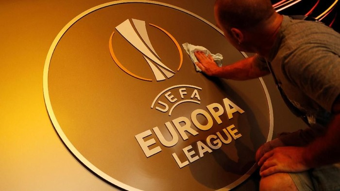 Soccer Football - Europa League Group Stage Draw - Grimaldi Forum, Monaco - August 31, 2018   General view of the UEFA Europa League logo before the start of the draw   REUTERS/Eric Gaillard