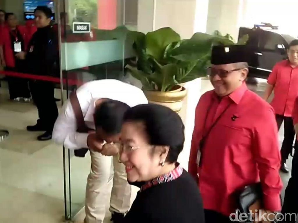 Megawati Heran PDIP Tetap di Puncak Survei Meski Sering Dibully