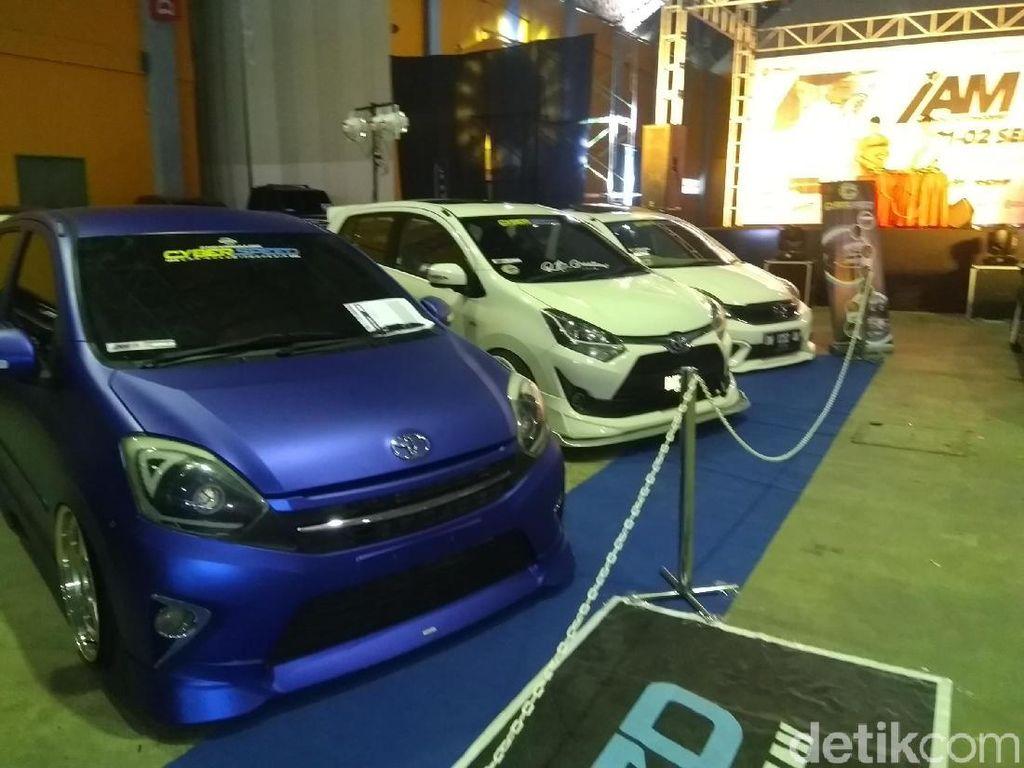 Ratusan Mobil Modifikasi Adu Keren di Makassar