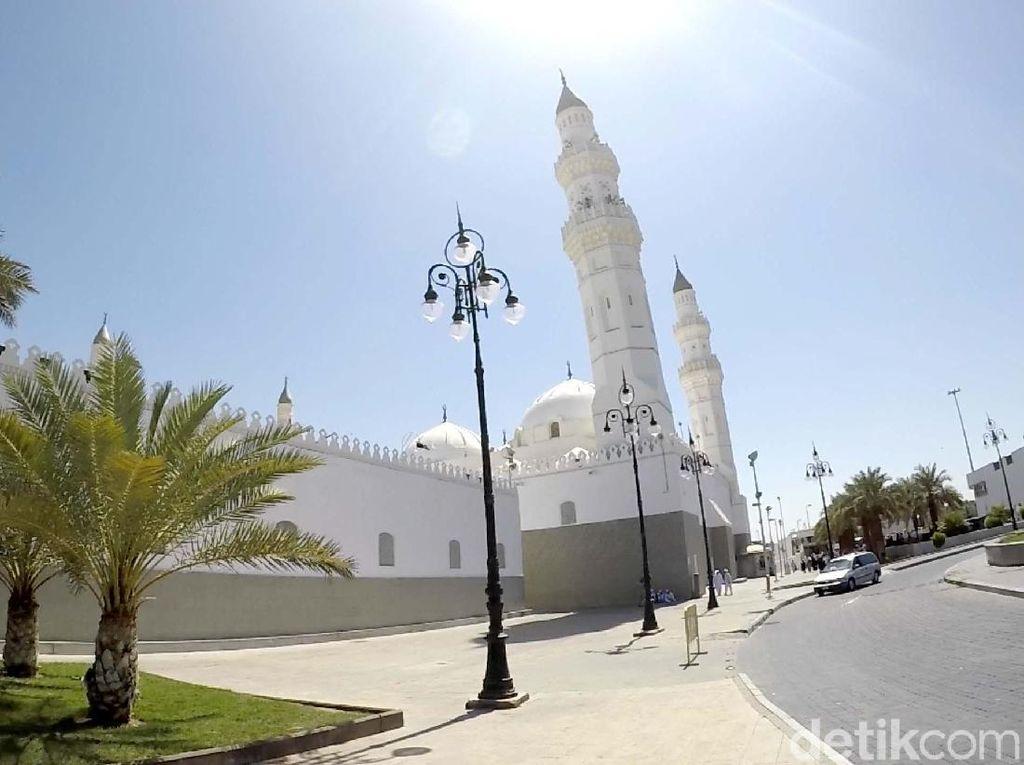 Berburu Pahala Umrah di Masjid Quba