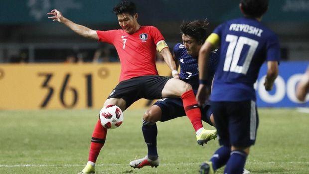 Son Heung-min selalu mendapat kawalan ketat saat melawan Jepang di final Asian Games 2018.