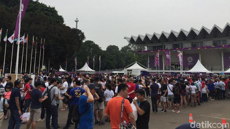 Asian Games Hampir Usai, GBK Makara Lautan Manusia