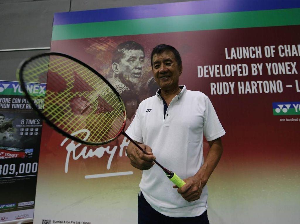 Rudy Hartono Luncurkan Raket Sang Juara