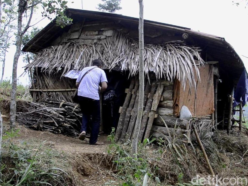Kisah Keluarga Dasirin yang Sempat Tinggal di Kandang Kerbau