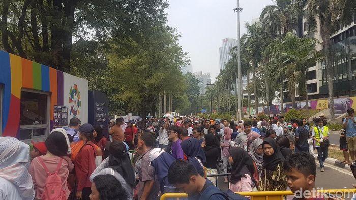Antrean tiket festival Asian Games 2018. (Foto: Bahtiar Rifai/detikcom)