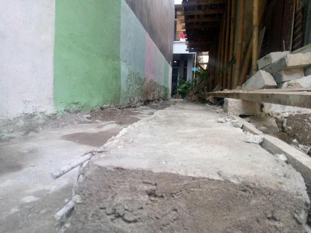 Foto: Ini Jalan Dipersempit yang Antar Pak RW Dibui