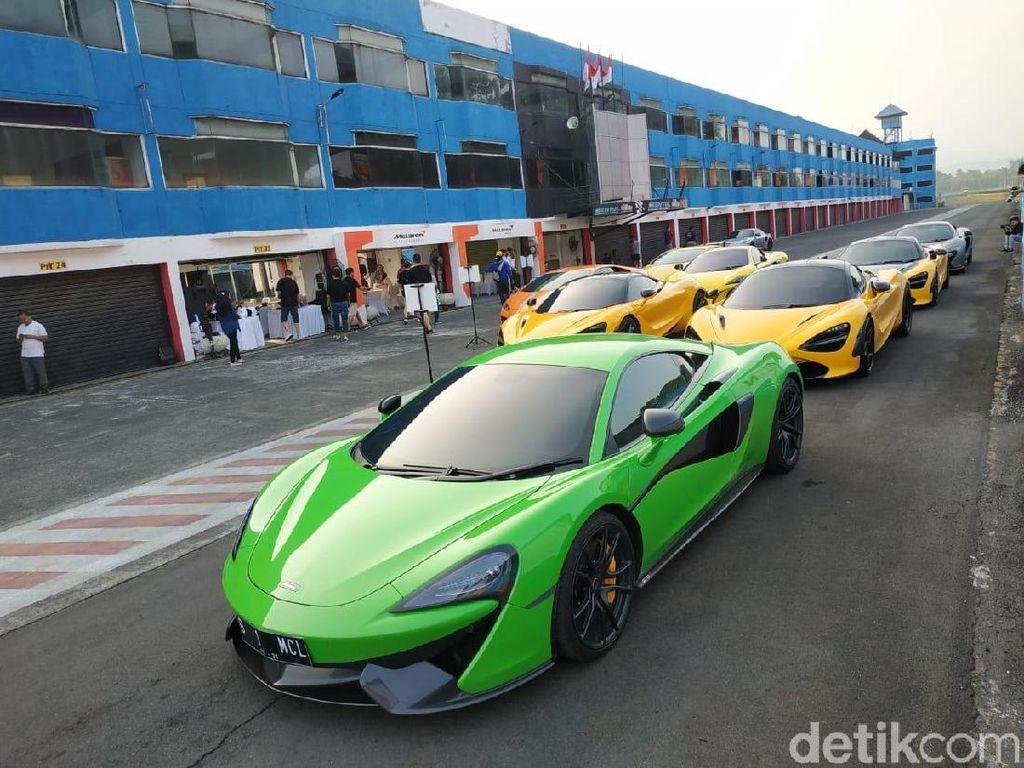 Puluhan Mobil Super Eropa Kebut-kebutan di Sentul