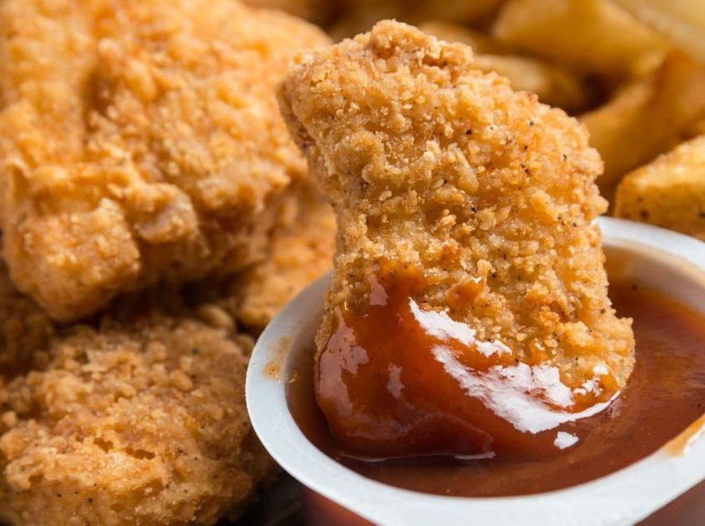 Praktis dan Enak, 5 Olahan Ayam Goreng Kemasan yang Paling Populer
