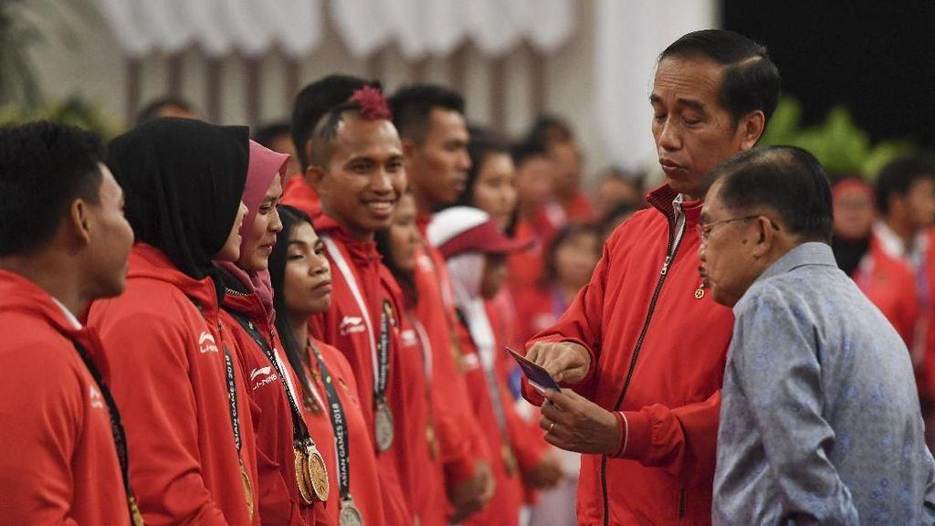 Foto: Saat Jokowi Bacakan Nominal Bonus Atlet Asian Games