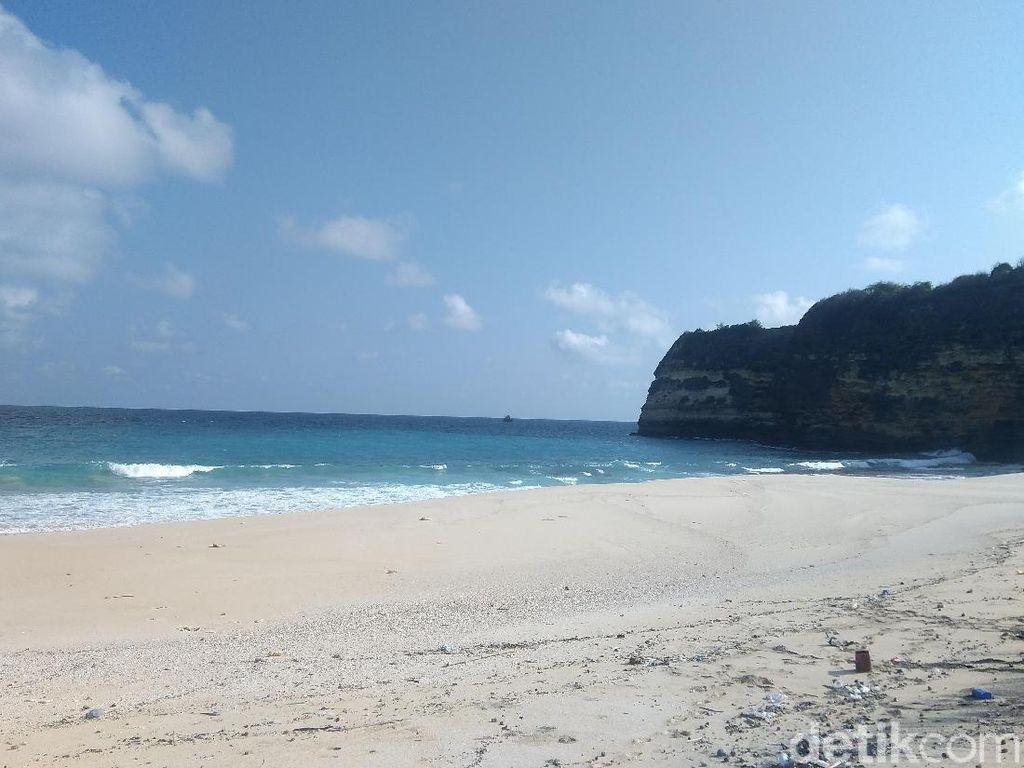 Foto: Pasir Pantai Ini Konon Sembuhkan Rematik dan Stroke