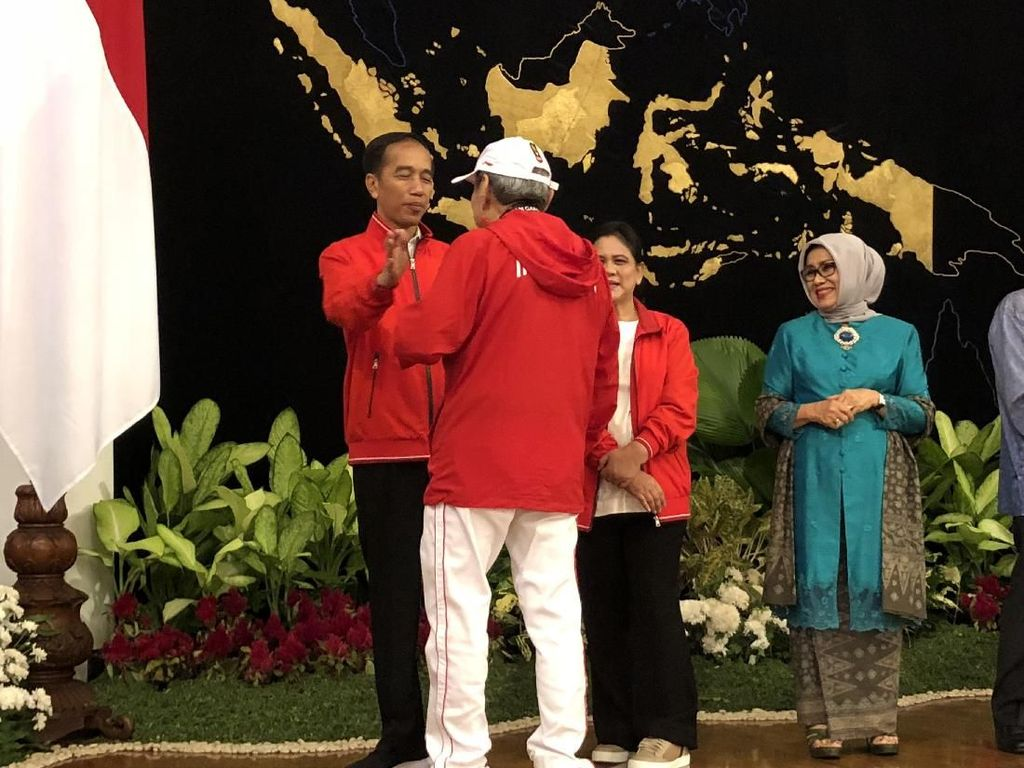 Ketika Orang Terkaya RI Terima Bonus Asian Games dari Jokowi