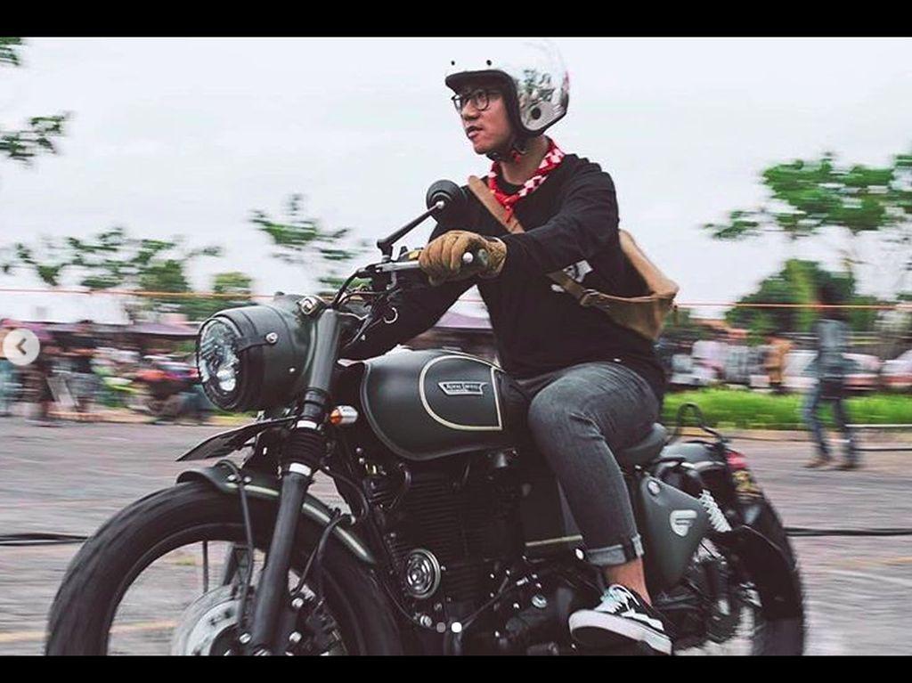 Gaya Putra Jokowi Tunggangi Motor Modifikasi
