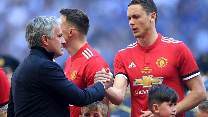 Jose Mourinho akan bermain di lapangan sintetis saat bertamu ke Young Boys di Liga Champions (Laurence Griffiths/Getty Images)