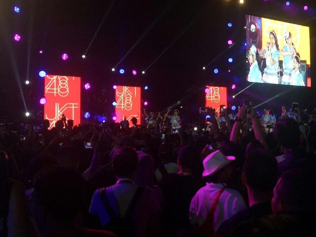 JKT48 dan Virzha Bikin Penonton di Jakabaring Histeris