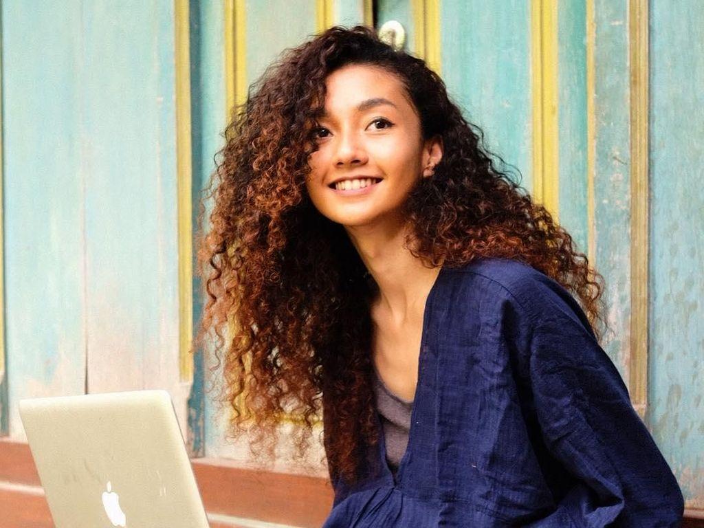 Fakta Penting Tentang Rambut Rontok yang Perlu Kamu Ketahui (2)