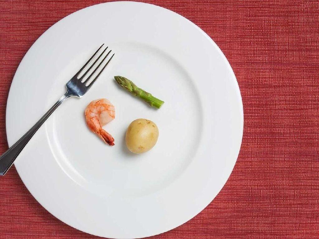 Wanita Ini Dianggap Terlalu Gemuk, Ini Makanan yang Diberikan Mertuanya