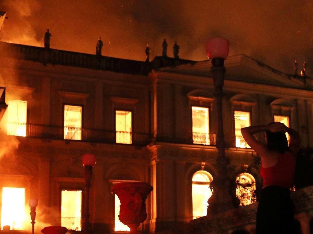Museum Nasional Brasil Ludes Terbakar