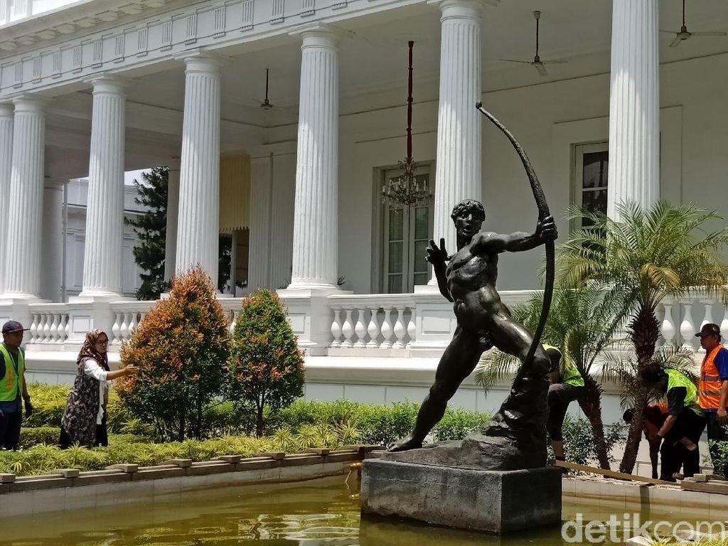 Patung Pemanah Karya Strobl Kembali ke Istana Kepresidenan